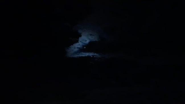 Maan achter wolken - WIlfried Van Craen